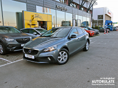 VOLVO V40 CROSS COUNTRY D3 2.0d MOMENTUM 150 CP